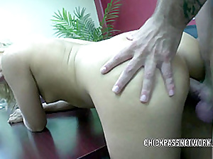 Teen cutie Fellow Kay fucks together roughly gets splattered roughly cum