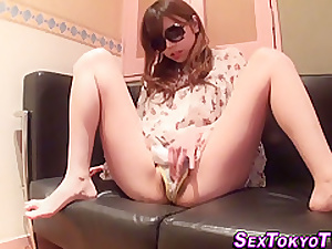 Japanese ho cums fretting