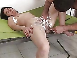 Hairy Brunette Shaves Her Pussy