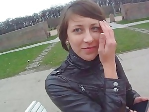 Mollycoddle gets scored unconnected with a panhandler at hand snoop camera glasses