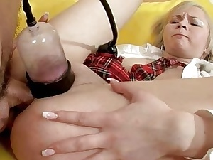Teen babe in arms loves shafting