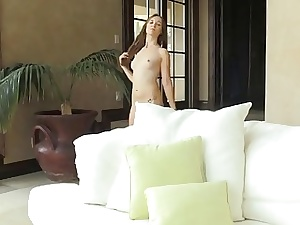 Teen Getting off and dildoplay